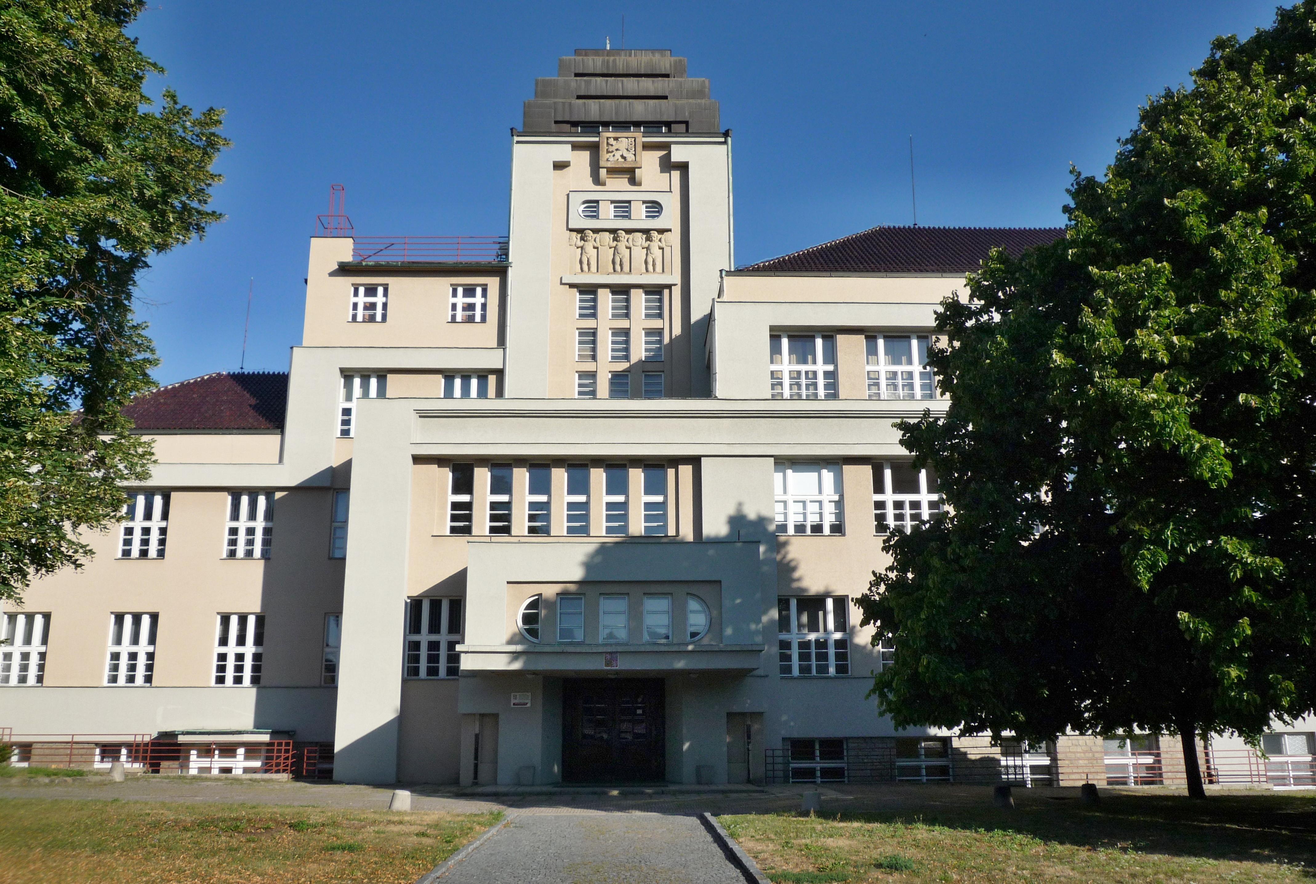 8143-prumyslova-skola-2.jpg