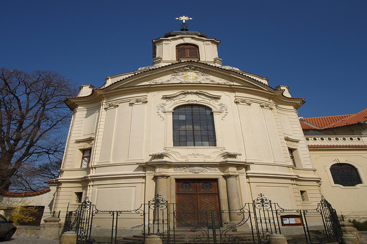 8196-kostel-nejsvetejsiho-srdce-pane.jpg