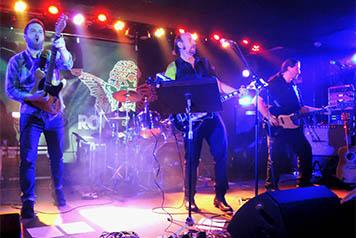 9975-pssc-2015-the-bell-ringer-cd-party-rockcafe-prague.jpg
